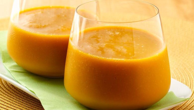 Vibrant Mango Carrot Smoothie